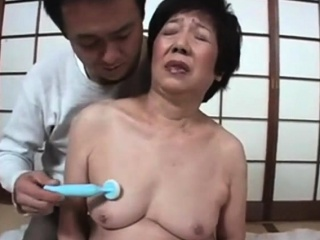 Giving Pleasure to a Japanese Gilf