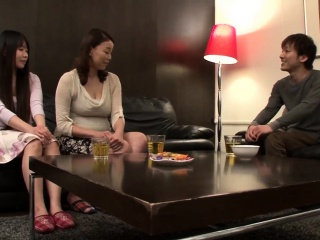 Japanese amateur Asian beamy boobs mother